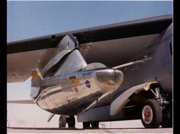 M2-F2 an NB-52B. 9/23/65 NASA DFRC ECN 875